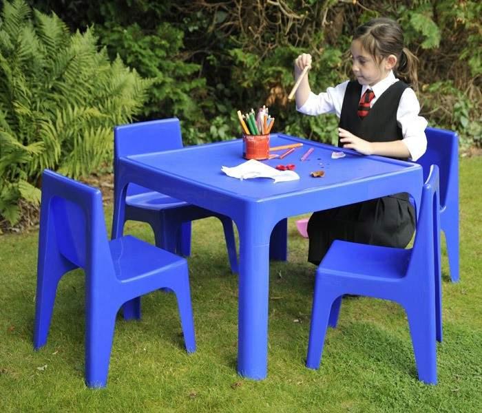 قیمت انواع میز پلاستیکی